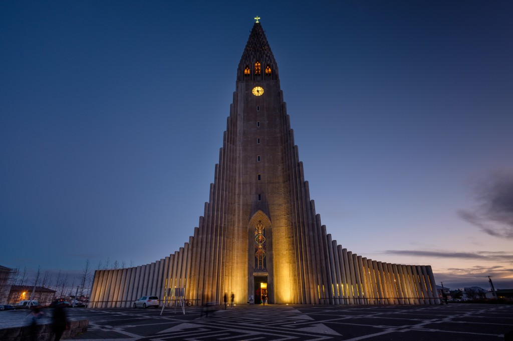Hallgrimskirkja at dusk.